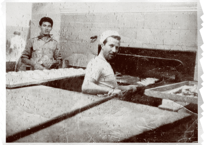 1952 - Pangrati, pita bread making in the wood-fired oven